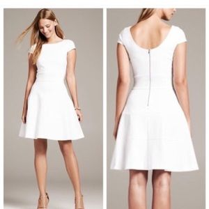 BANANA REPUBLIC white fit and flare seamed dress